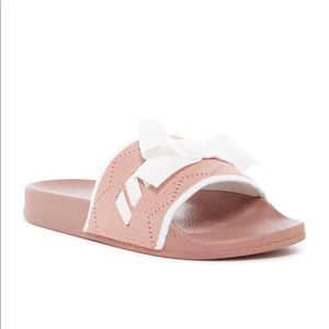 Cape Robbin Sandals Pink size 10